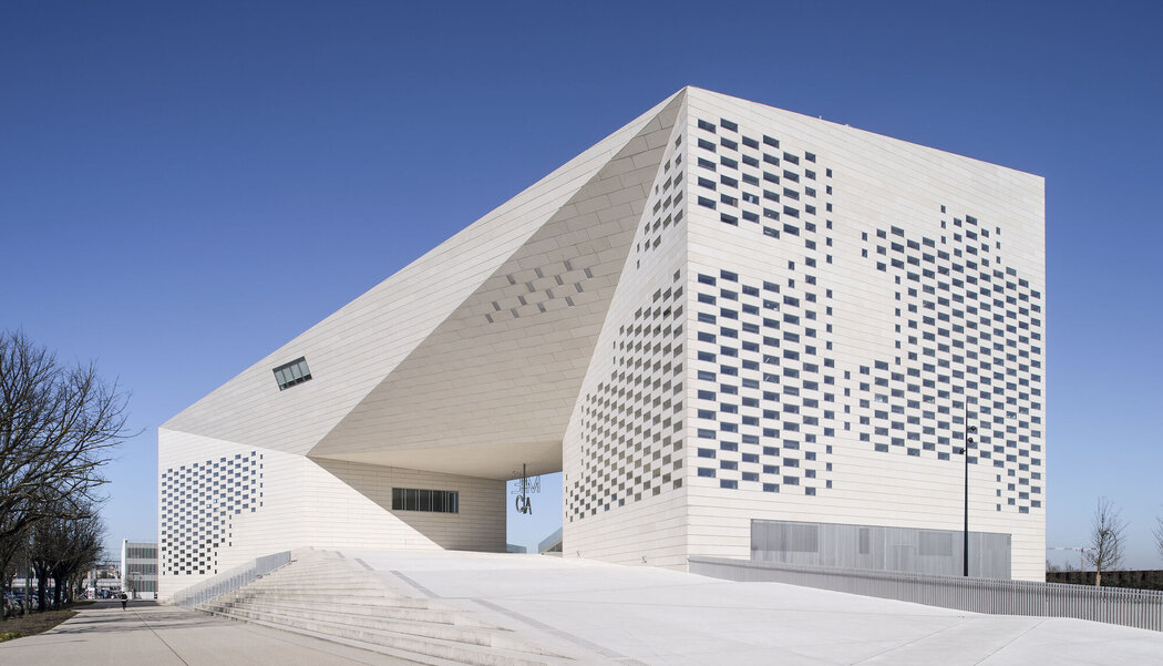 CP 130 (-LS) Sliding Systems and CW 50 Curtain Walls - Entertainment LA MÉCA located in Bordeaux, France