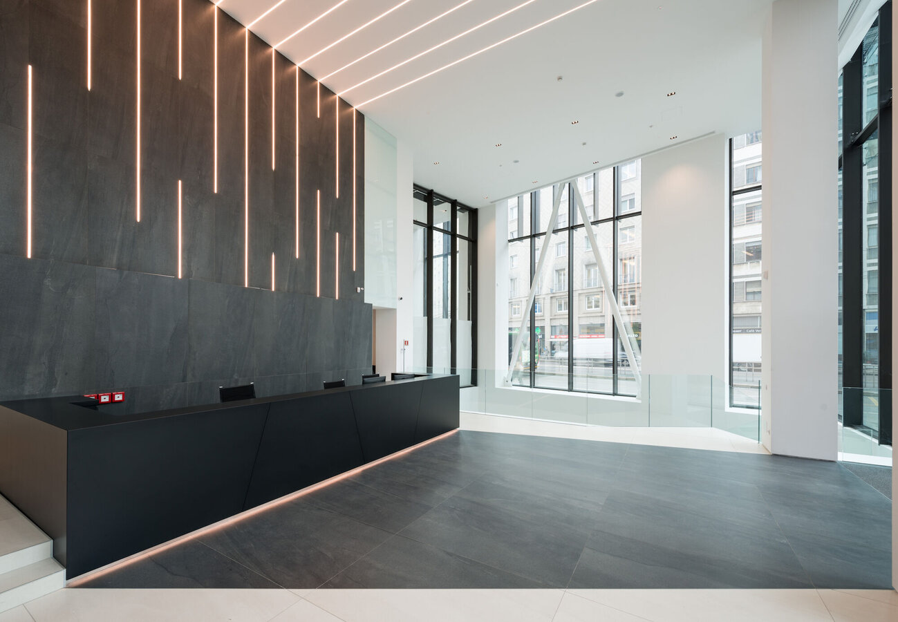 CW 60-SC Curtain Walls - Office building Office building Largo Augusto Milano located in Milan, Italy