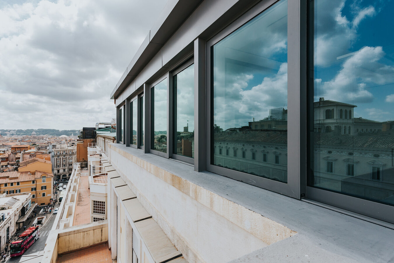 CP 155 (-LS) Sliding Systems and SlimLine 38 Windows - Office building Office building Roma located in Italy
